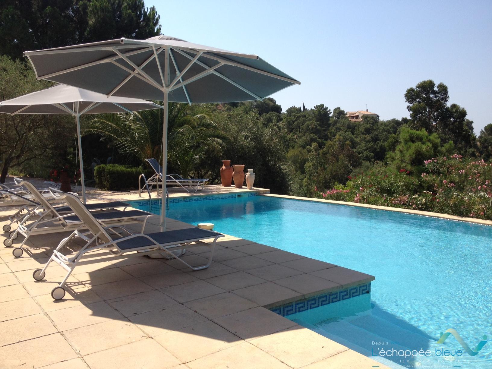 Location vacances bastide proven ale pour 10 personnes - Piscine pour personne handicapee ...