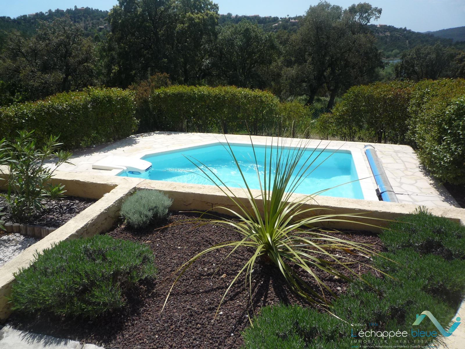 Location vacances villa pour 5 personnes avec piscine - Piscine pour personne handicapee ...
