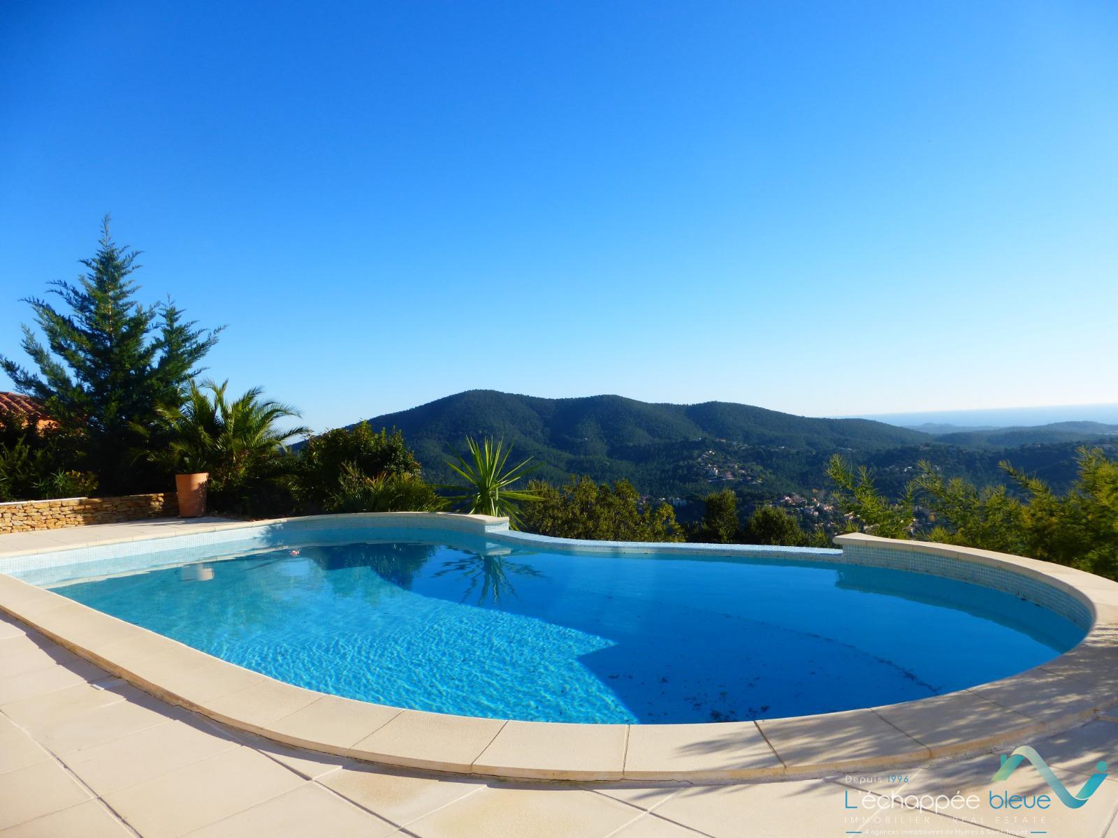 Location vacances location de villa pour 10 personnes avec for Location de piscine